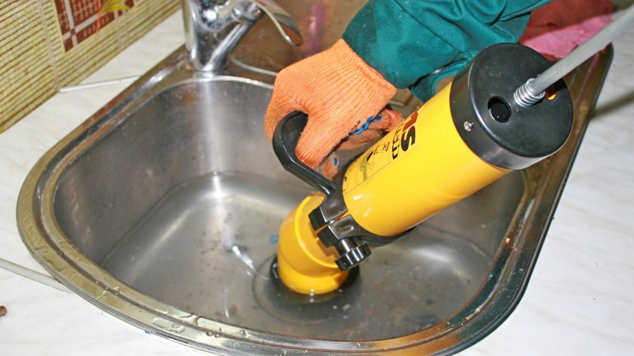 Как очистить канализационные трубы от жира в домашних условиях