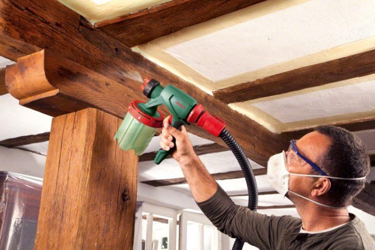 Чем хороша акриловая краска по дереву для внутренних работ?