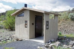 tualet-na-dache-svoimi-rukami-chertezhi-foto-razmery-video-instruktsii-9876544567987654345-09876543