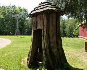 tualet-na-dache-svoimi-rukami-chertezhi-foto-razmery-video-instruktsii-9876545647868980658742
