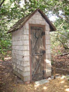 tualet-na-dache-svoimi-rukami-chertezhi-foto-razmery-video-instruktsii-23546564332321425364675