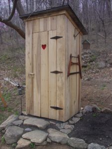 tualet-na-dache-svoimi-rukami-chertezhi-foto-razmery-video-instruktsii-8685753363436543646366