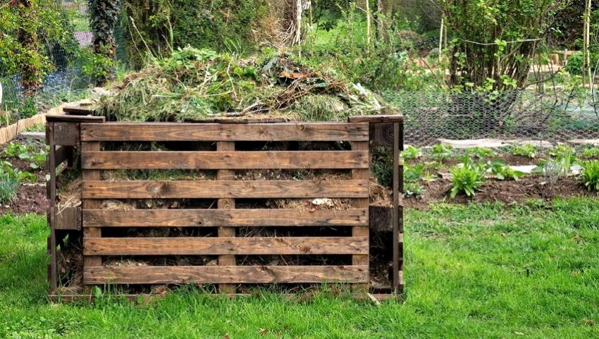 kompostnaya-yama-izgotovlenie-kompostnoj-yamy-svoimi-rukami-1251