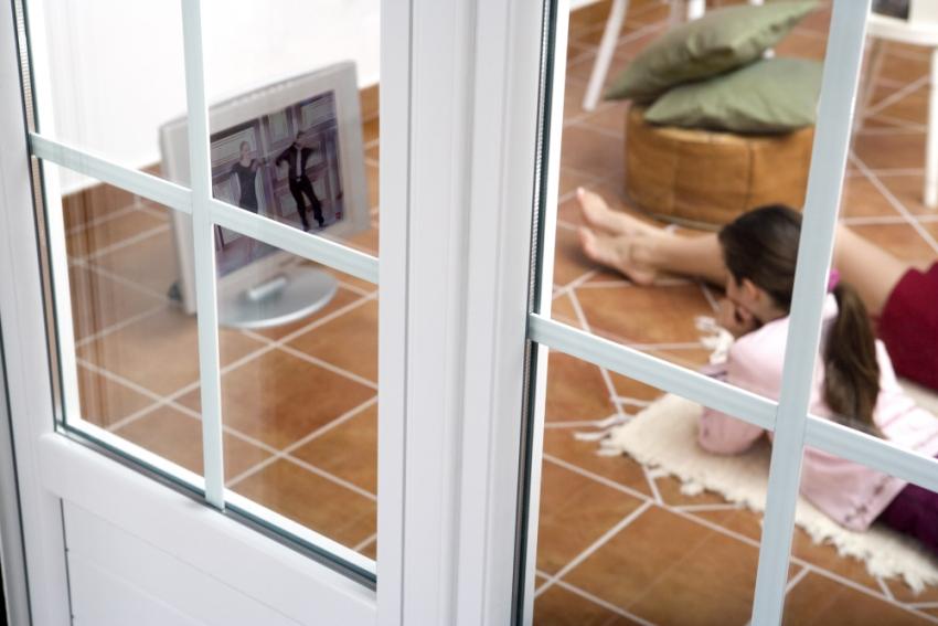 Почему потеет пластиковое окно изнутри: причины появления ко.
