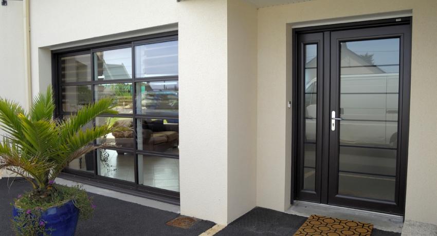 vhodnaya-dver-foto-video-razmery-i-raznovidnosti-4
