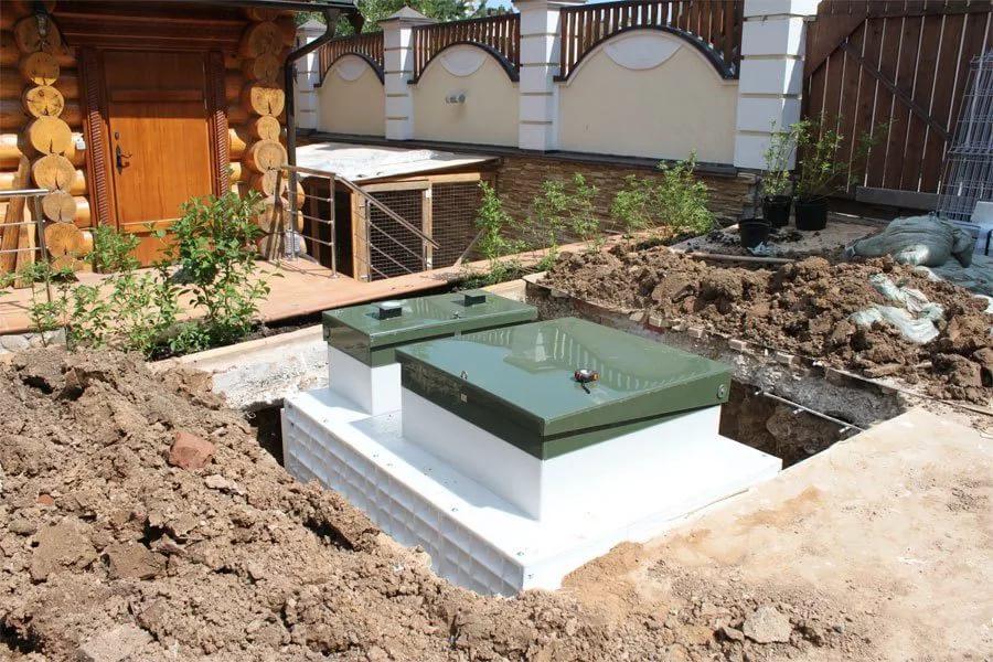 kanalizatsiya-dlya-zagorodnogo-doma-foto-vidy-kakuyu-vybrat-dlya-dachi-1