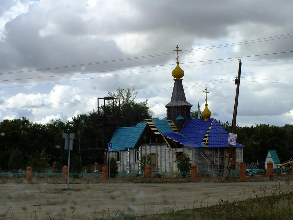 krovelnye-materialy-metallocherepitsa-i-profnastil-ot-luchshih-postavshhikov-4