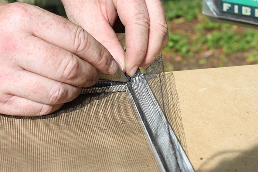 moskitnye-setki-na-okna-foto-video-raznovidnosti-izdelij-15
